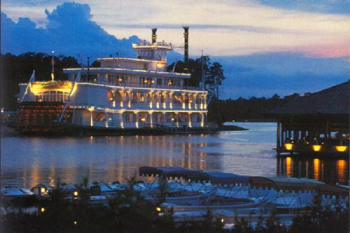 0100-12006 EMPRESS LILLY